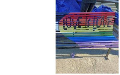 """""""Panchina Arcobaleno"""" degli studenti alla Terrazza Marasco"""